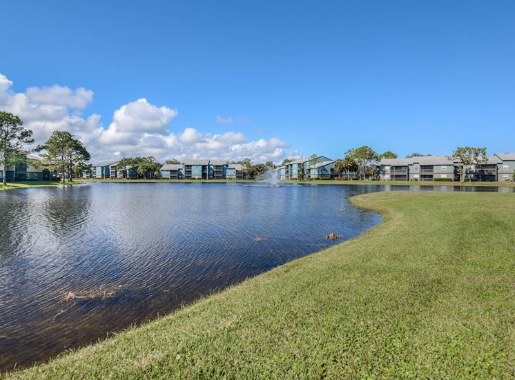The Savannahs at James Landing Melbourne FL 32935 well-kept lake front community