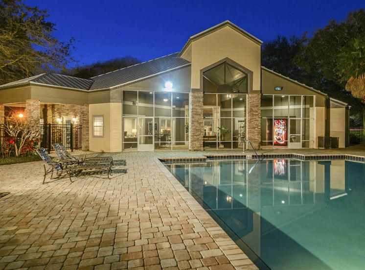 The Savannahs at James Landing Melbourne FL 32935 sparkling pool and aqua deck