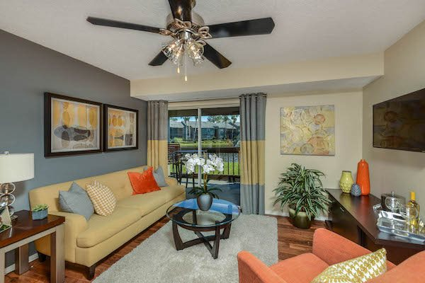 The Savannahs at James Landing Melbourne FL 32935 large living rooms