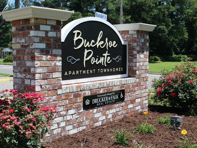Buckroe Pointe Apartment Homes in Hampton VA Sign