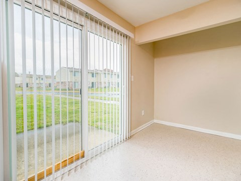 Buckroe Pointe Apartments and Townhomes doors