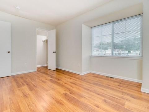 Affordable apartments in Hampton VA Living Room