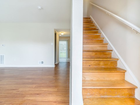 Buckroe Pointe Apartments and Townhomes stairs