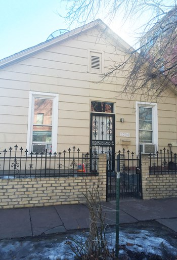 2212 W 30th Avenue 2 Beds House for Rent Photo Gallery 1