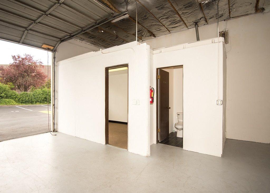 Burnham Storage Storage Space & Amenities