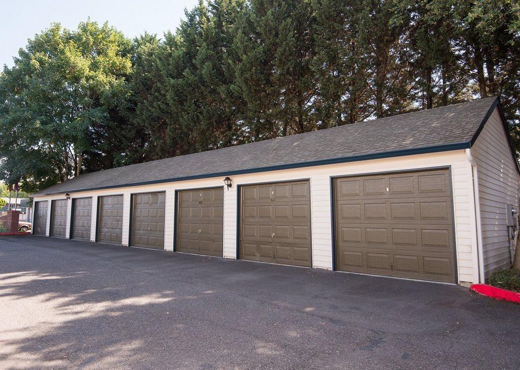 Darrins Place Garages
