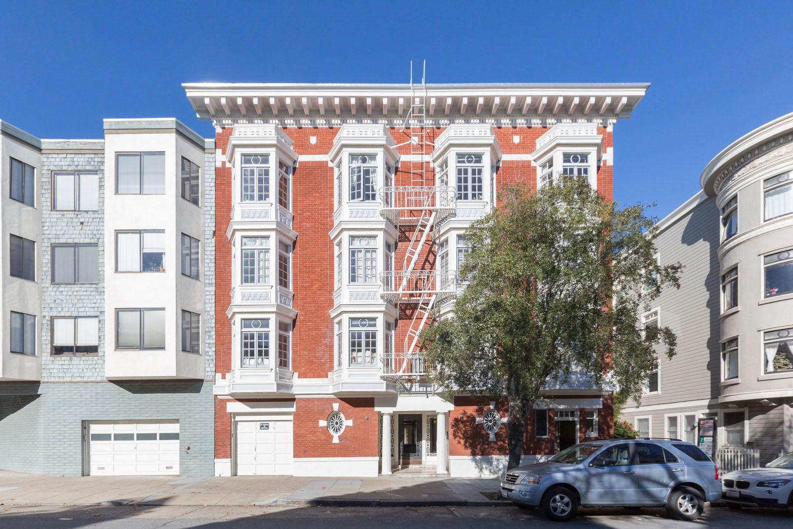 2730 SACRAMENTO Apartments homepagegallery 1