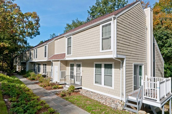Apartments For Rent In Glenville Ct