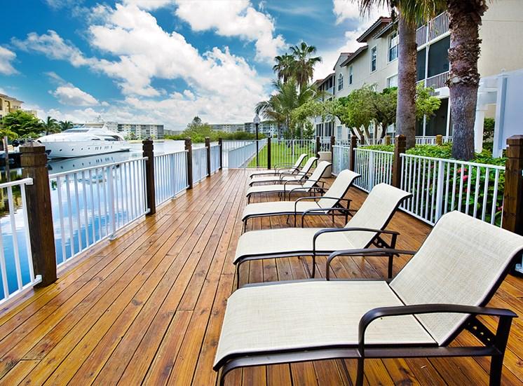 Best Deck in Aventura Apartment