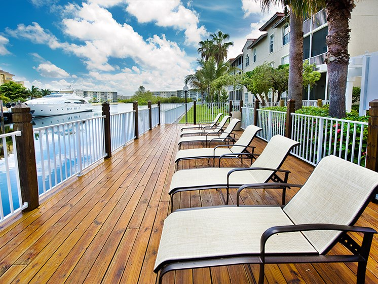 Best Deck in Aventura Apartment