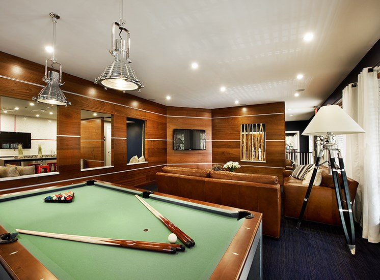 Great amenities game room apartment
