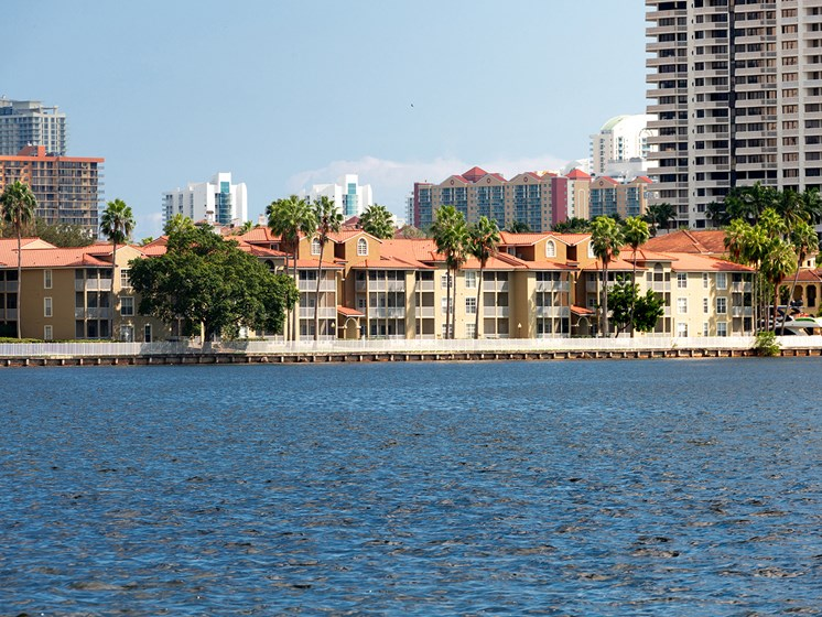 Lake View at Lincoln Pointe, Aventura