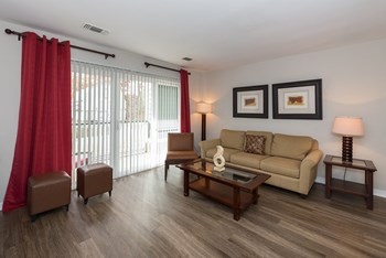 3525 Sheffield Manor Terrace 1-2 Beds Apartment for Rent Photo Gallery 1
