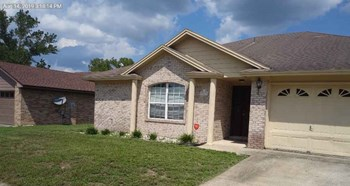 8013 MacNaughton Drive 3 Beds House for Rent Photo Gallery 1