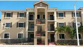 22441 SW 88th Place# 303 2 Beds House for Rent Photo Gallery 1