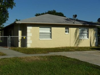 11412 Kimble Dr. 2 Beds House for Rent Photo Gallery 1