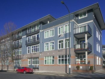 1425 NE 7th Ave 1 Bed Apartment for Rent Photo Gallery 1