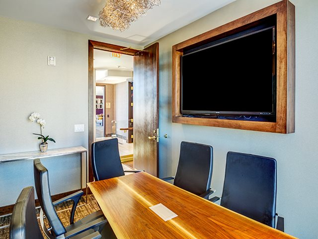 Board Room at The Walkway Apartments in Uptown, Minneapolis