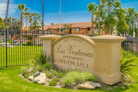 Las Ventanas Apartments Exterior Front Sign View