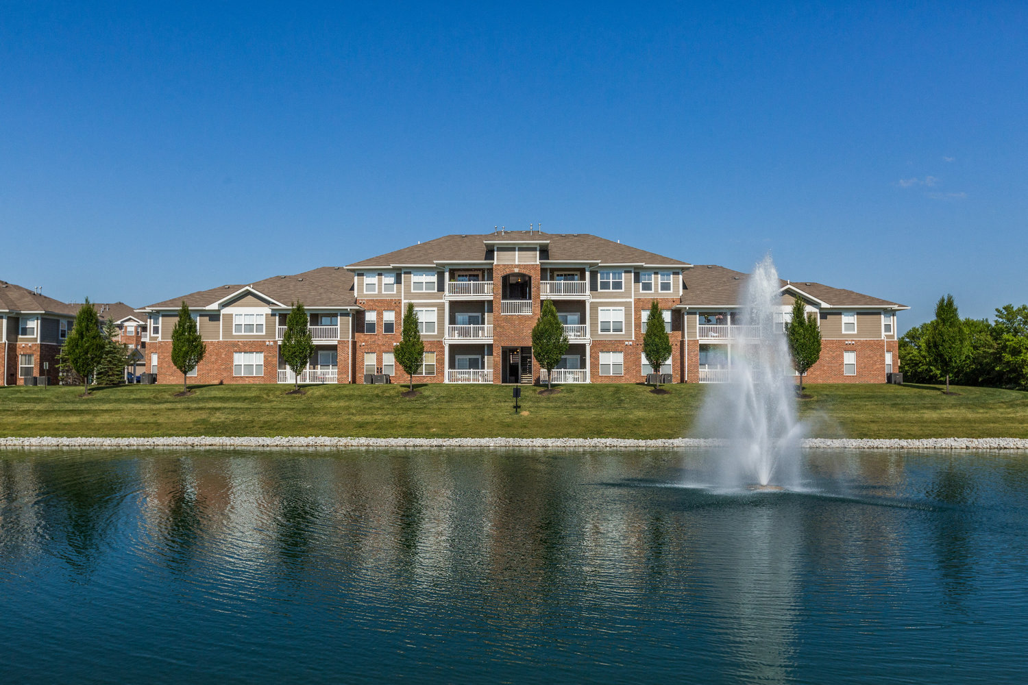 Lake Area at Maple Knoll Apartments, Westfield