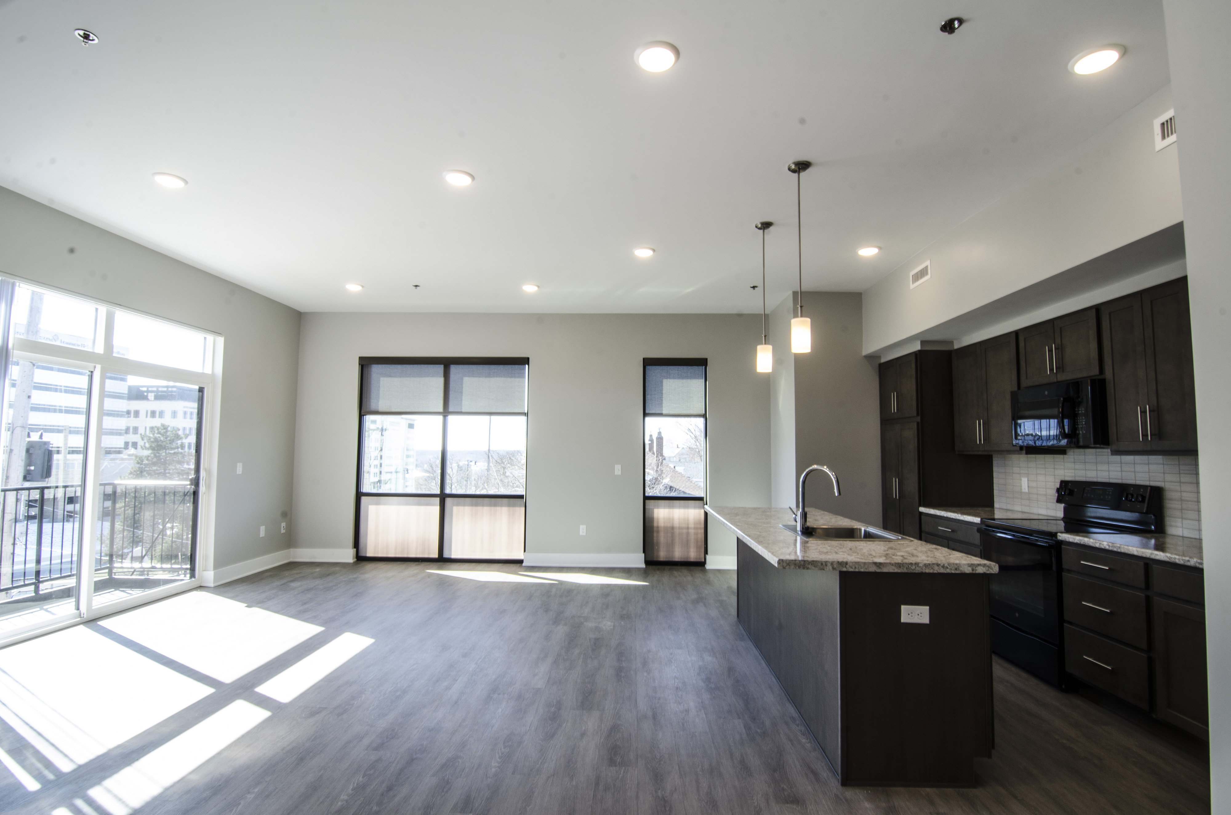 Open Concept Spacious Living At Gateway At Belknap Apartments