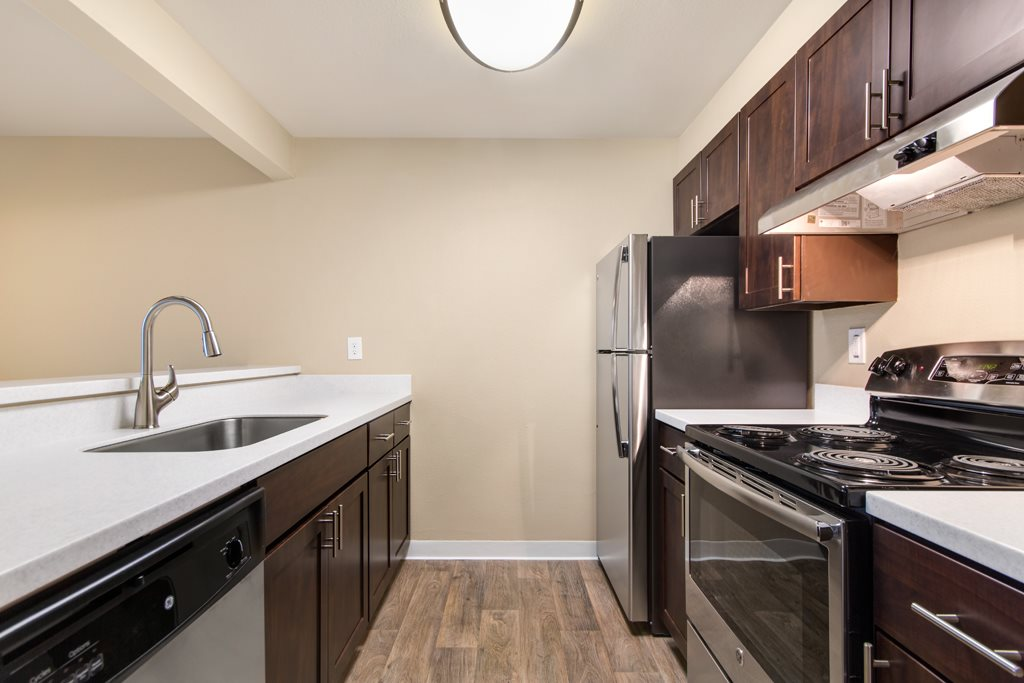 Full Kitchen Appliance at The Fairways Apartments, Tacoma, WA,98422