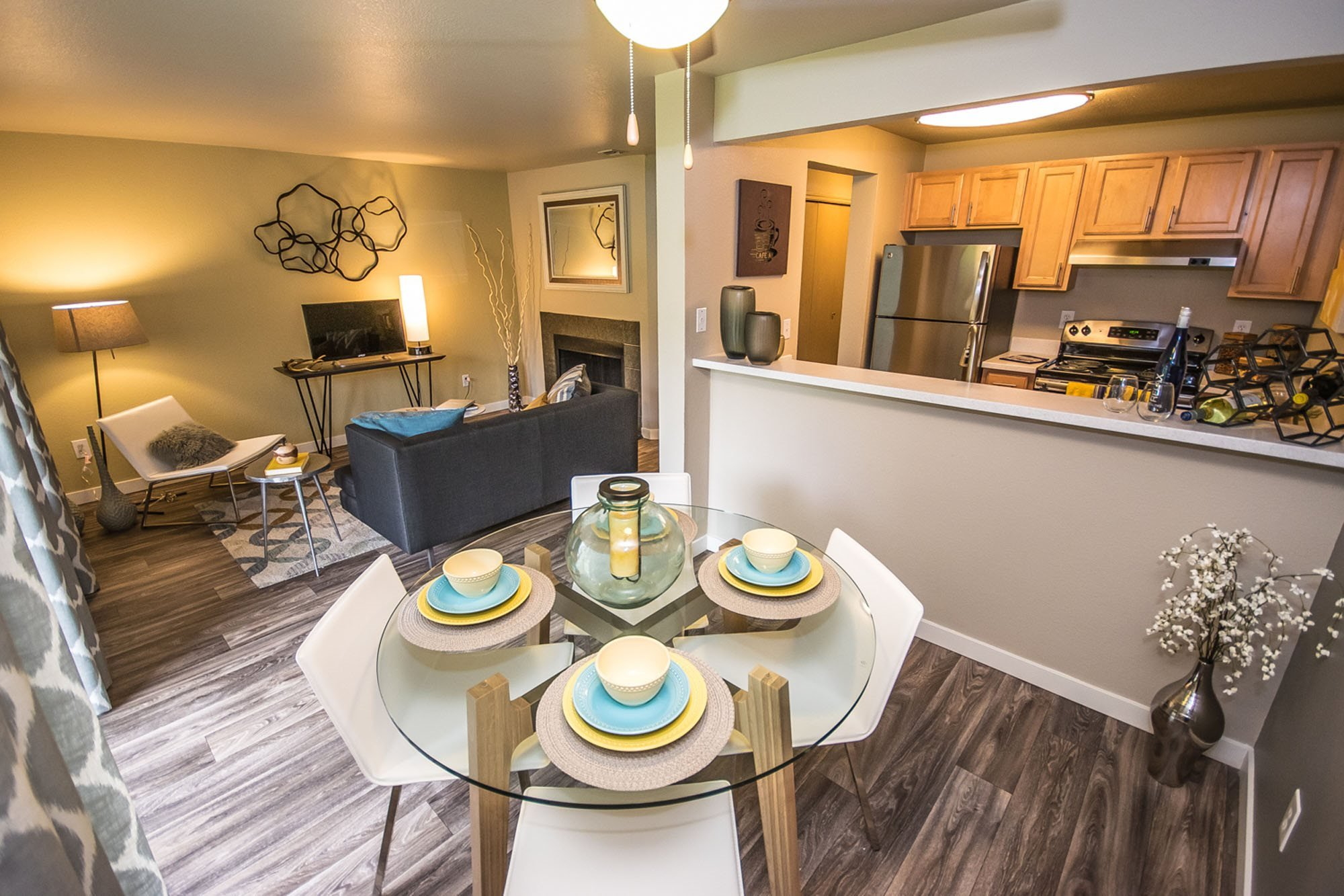 Dining Area at The Fairways Apartments, Tacoma, WA,98422