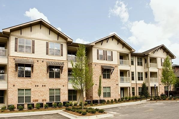 Legacy at Walton Lakes Exterior