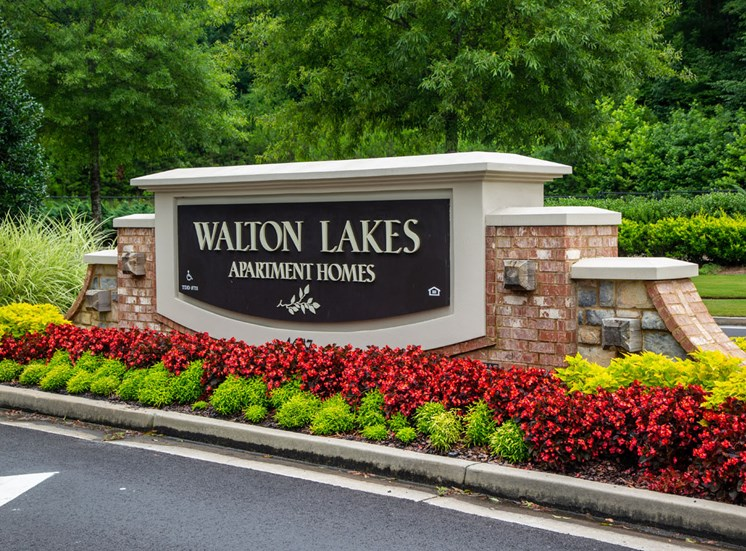 Walton Lakes Main Entrance, Atlanta GA