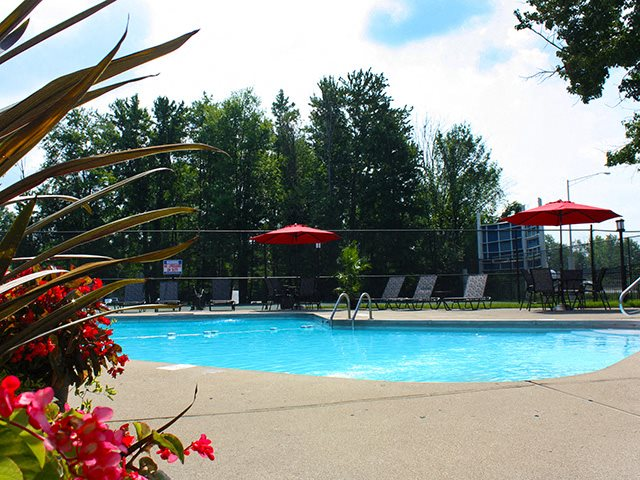 Swimming pool at Hunter's Creek Apartments in Blue Ash, OH