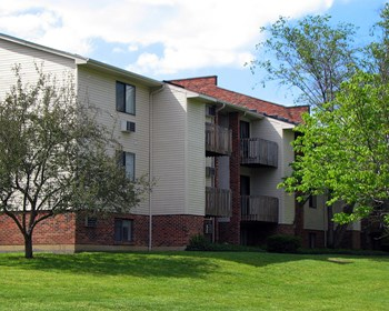 6928 Oakwood Drive 1-2 Beds Apartment for Rent Photo Gallery 1