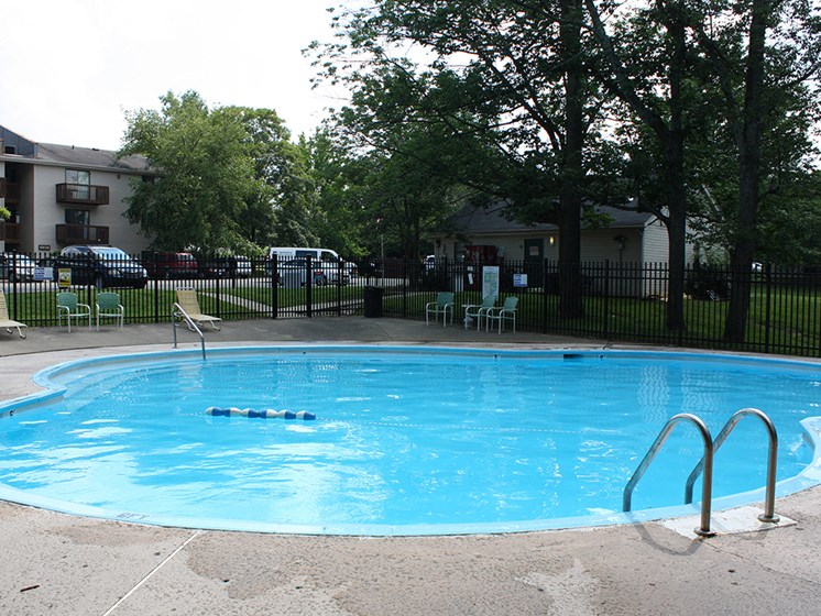 Oakwood Swimming Pool