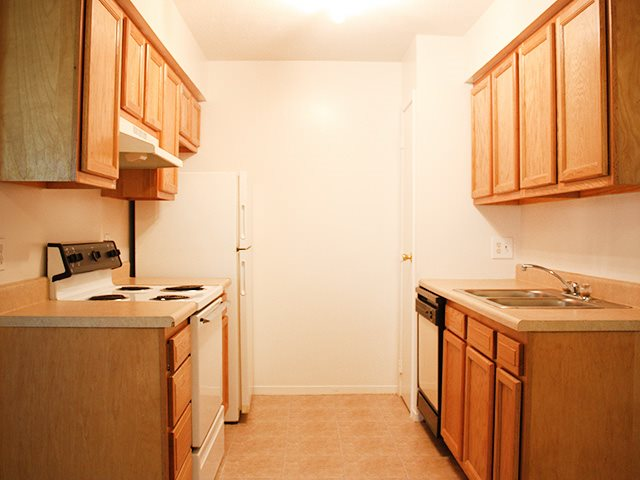 Fully equipped kitchens at Hunter Ridge Apartments in Cincinnati, OH