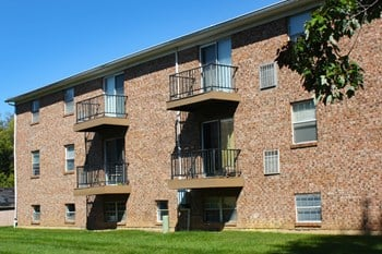 1762 Culver Court Apt 5 2 Beds Apartment for Rent Photo Gallery 1