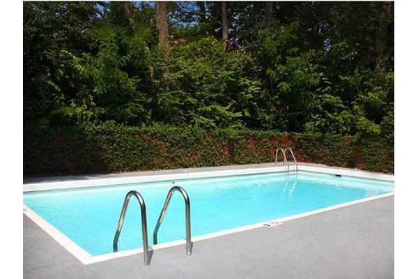 Swimming Pool, Sundeck, Lounge Area, The Madison Apartments, 45208, Cincinnati
