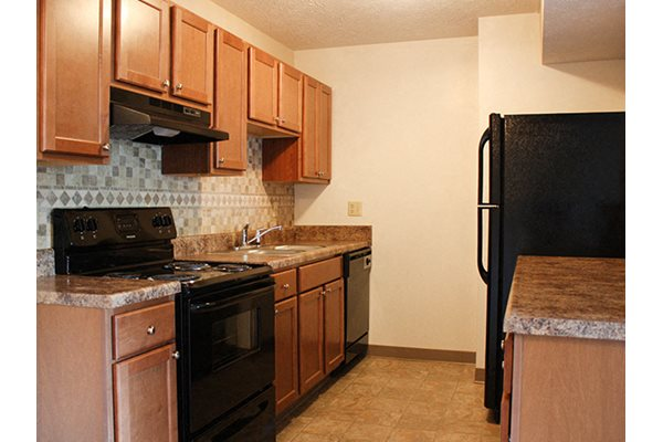 Fully Equipped Kitchens at Forest Creek in Middletown, OH