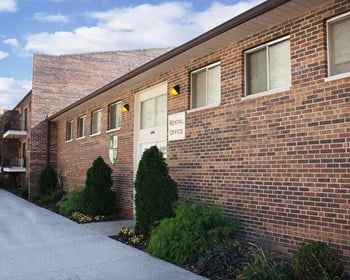 5566 Hillside Avenue 1-3 Beds Apartment for Rent Photo Gallery 1