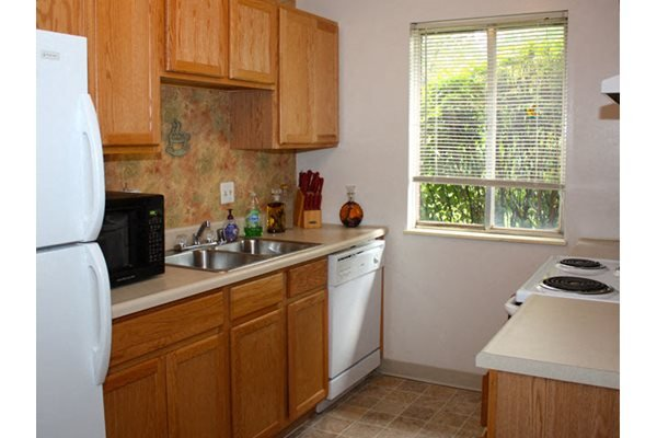 Fully-Equipped Kitchens in each Apartment Home, Forest Park Apartments, Ohio, 45240