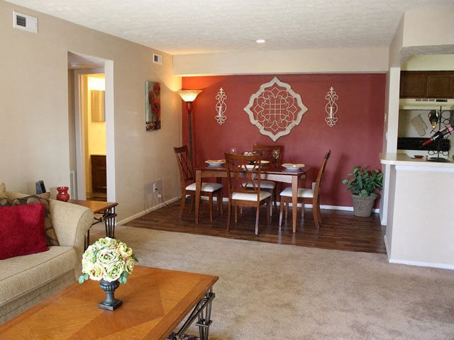 Carpeting, Carpeted apartments, Steeplechase, Apartments in Ohio, Loveland, 45140