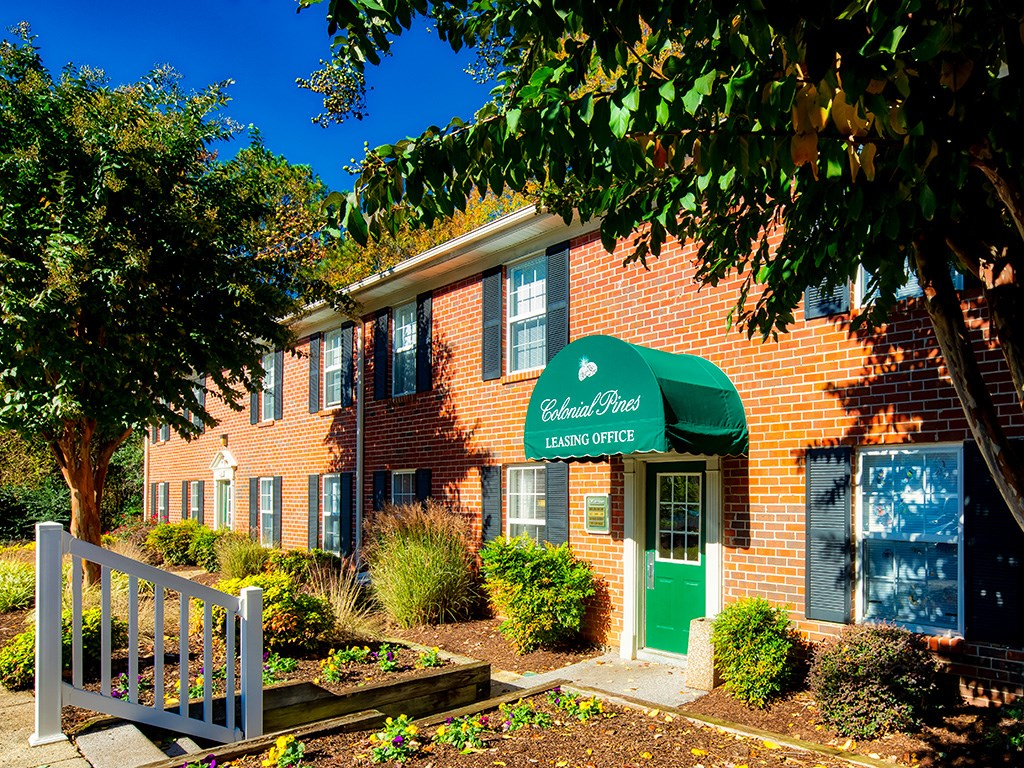 Affordable apartments Williamsburg VA Leasing Office