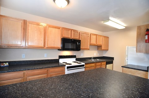 Kitchen at Mariners Green Apartments in Oyster Point