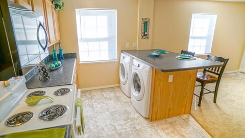Appliances at the Mariners Green Apartments in Newport News