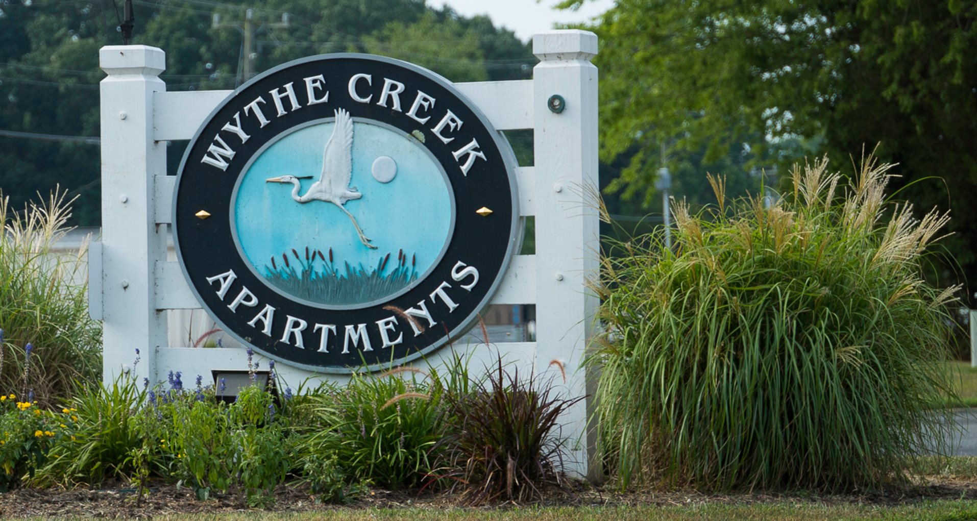 Sign for Wythe Creek Apartments