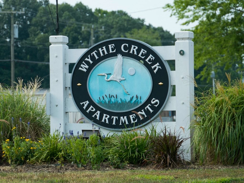 Wythe Creek Apartments Sign