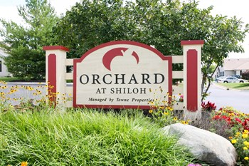 2500 Orchard Drive 2 Beds Apartment for Rent Photo Gallery 1