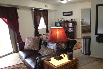90 Maryville Lane 1-2 Beds Apartment for Rent Photo Gallery 1