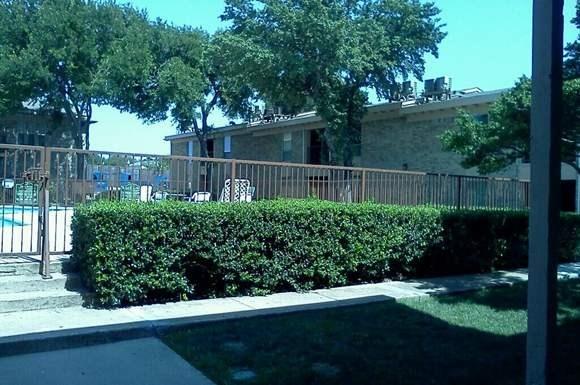 Alta Vista Apartments 700 East 18th Street Plano Tx Rentcaf