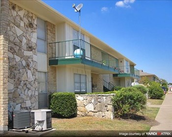 605 N Alexander Ave 2 Beds Apartment for Rent Photo Gallery 1