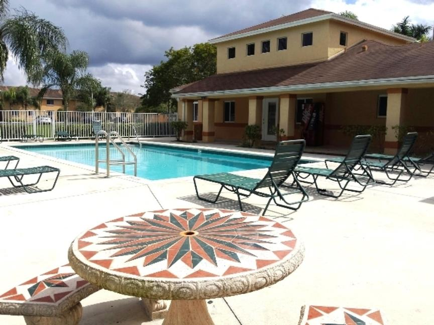 Cameron Creek of Florida City, FL Pool