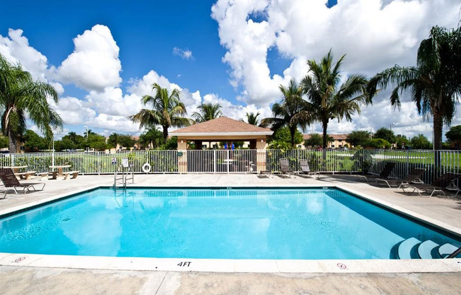 Outdoor swimming pool_Cameron Creek of Florida City, FL
